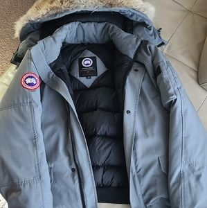 Authentic Canada Goose mens bomber style jacket